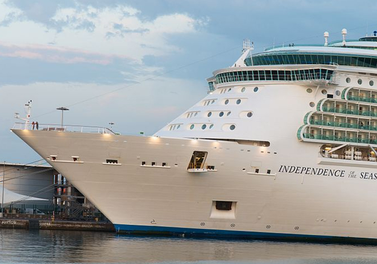 INDEPENDENCE OF THE SEAS WILL DOCK IN VIGO EIGHTEEN TIMES IN 2009