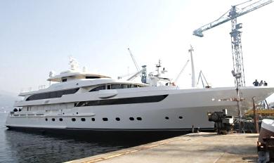 EL YATE MAYBE – EX FEFÉ YA ESTÁ DE VUELTA | No consiguieron venderlo en Mónaco